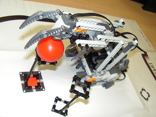 Completed Programming on LEGO Mindstorms NXT Robot Arm | 1st Feline ...